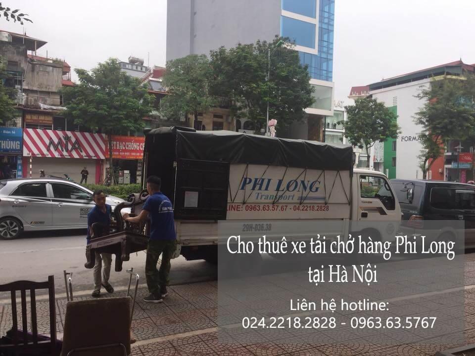 Xe tải nhỏ chở hàng từ phố Nam Tràng đi Hải Dương